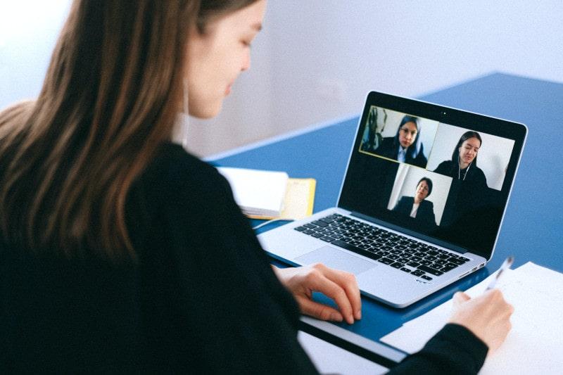 divulgar negocios na internet com networking e eventos